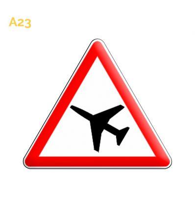 A23 - Panneau traversée d'une aire de danger aérien Mysignalisation.com