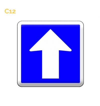 C12 panneau d'indication de circulation à sens unique. MySignalisation.com